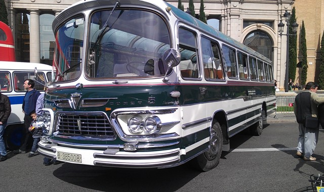 alquiler autobus Bus linea Comet americano tyreaction barcelona
