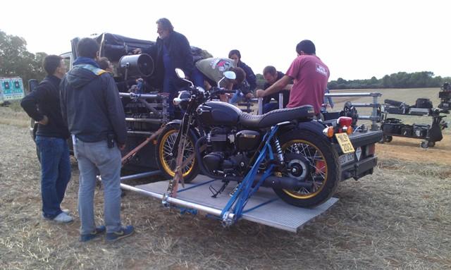 anuncio euromillones especialista de cine triumph moto tyreaction jordi nebot 11
