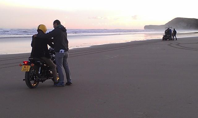 anuncio euromillones especialista de cine triumph moto tyreaction jordi nebot 6