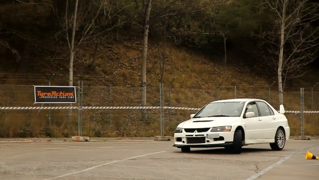 mitsubishi lancer evolution gymkhana tyreaction especialistas de cine conduccion jordi nebot circuit cataluna barcelona 2