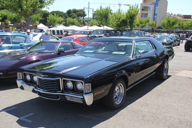 10017 Ford Thunderbird 72 negro front
