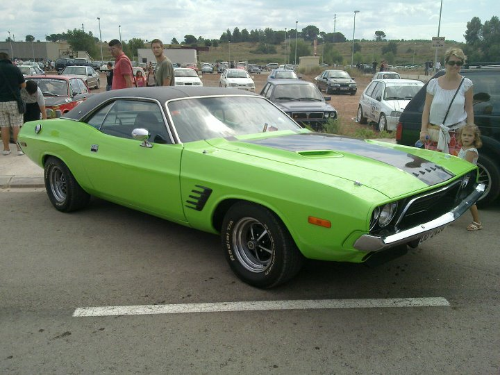 Dodge Challenger verde