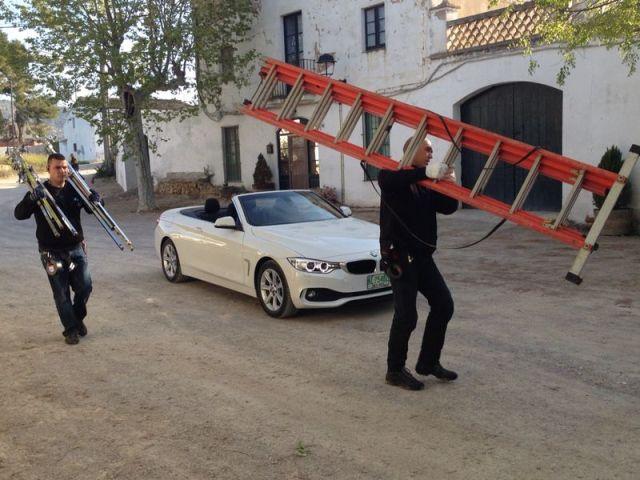 alquiler bmw anuncio blanco cabrio descapotable barcelona 420 serie tyreaction jordi nebot 2