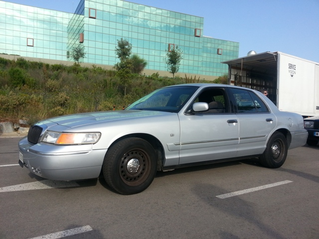alquiler ford crown victoria barcelona tyreaction taxi police