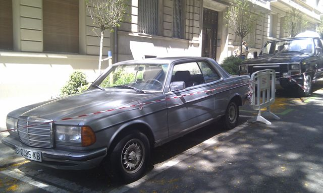 alquiler pickup americana mercedes clasico anuncio Lu tyreaction jordi nebot 1