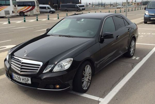 alquiler Mercedes E rent tyreaction luxury car