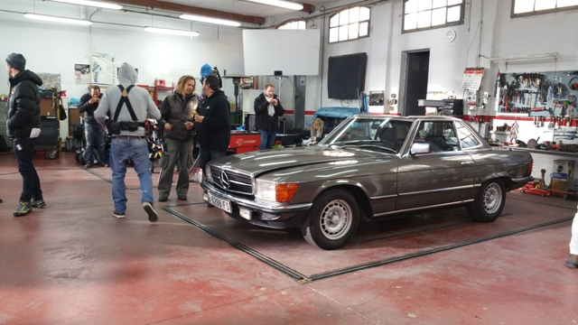 alquiler mercedes 280 clasico para anuncio one&one tyreaction vehiculos escena