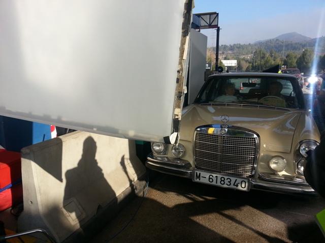 alquiler mercedes clasico 250 s crema spot nescafe tyreaction vehiculos 4