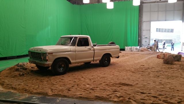 alquiler pickup americana ford f100 clasica spot qatar airways fc barcelona tyreaction vehiculos escena 2