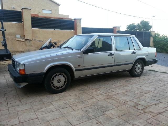 alquiler Volvo 740 plata clasico barcelona cine publicidad tyreaction jordi nebot