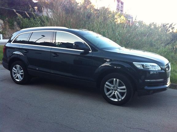 00002 Audi Q7 negro