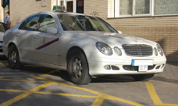 00002 Taxi blanco Mercedes (2)