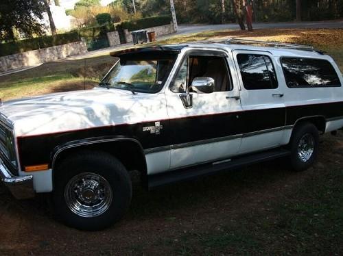 10049 Chevrolet Suburban