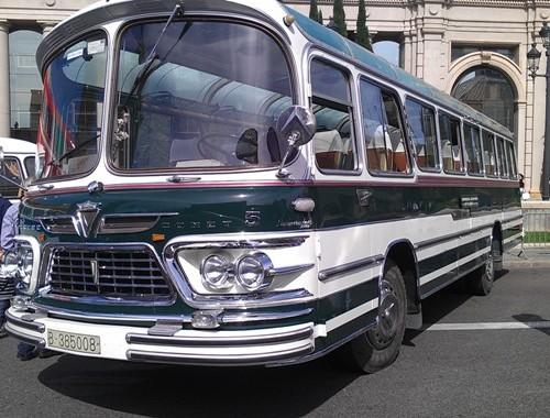 alquiler Bus linea Comet americano front