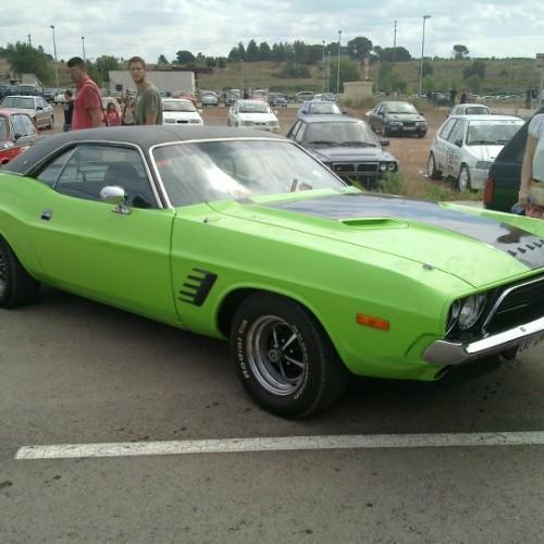 Alquiler coches americanos barcelona Dodge Challenger verde