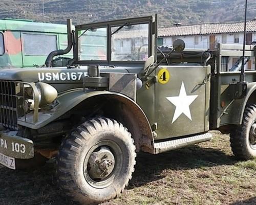 P0012 Jeep 012 alquiler Camión militar americano trescuartos vehiculos escena barcelona tyreaction 1 lat
