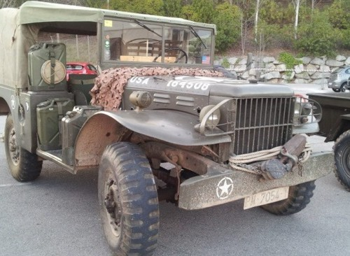 P0012 alquiler Camión militar americano trescuartos vehiculos escena barcelona tyreaction 1 lat