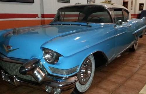 P0035 Cadillac azul