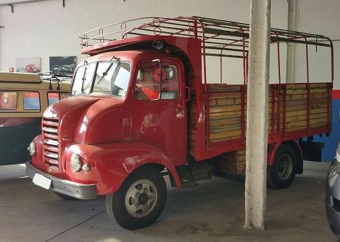 P0104 Camión ebro rojo