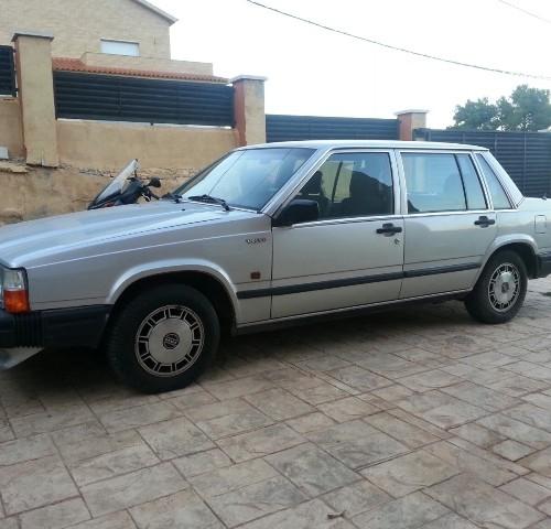 Volvo 740 plata