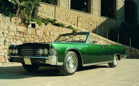 00002 Lincoln Continental