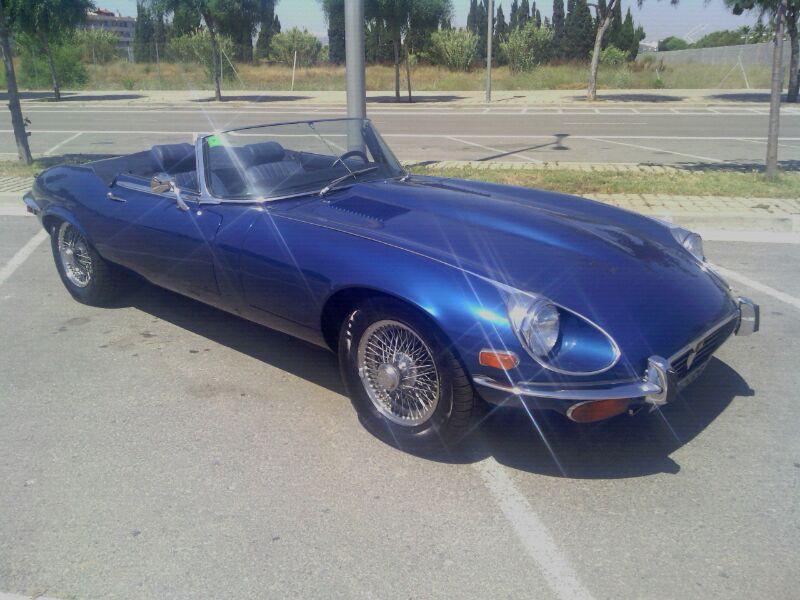 0002 Jaguar e-type cabrio azul front -