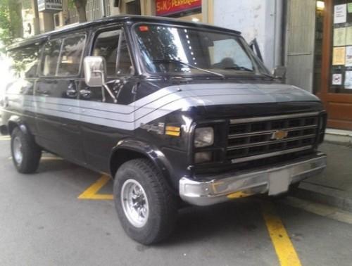 10068 Chevy Van negra (3)