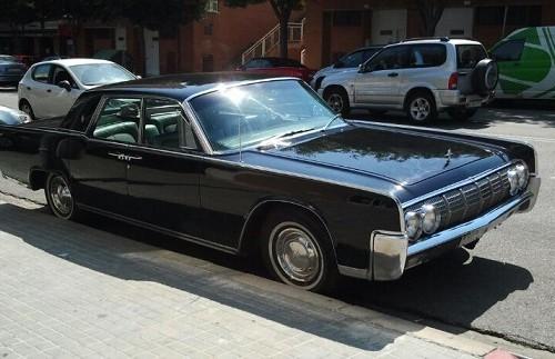 10094 Lincoln Continental 64 negro