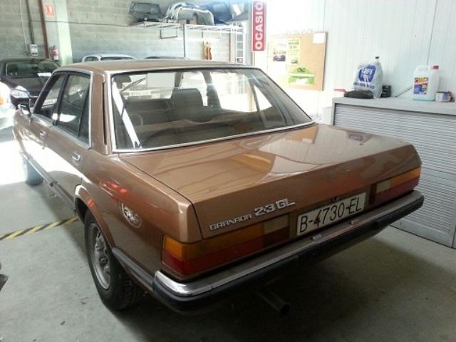 P0014 Ford Granada marrón tras