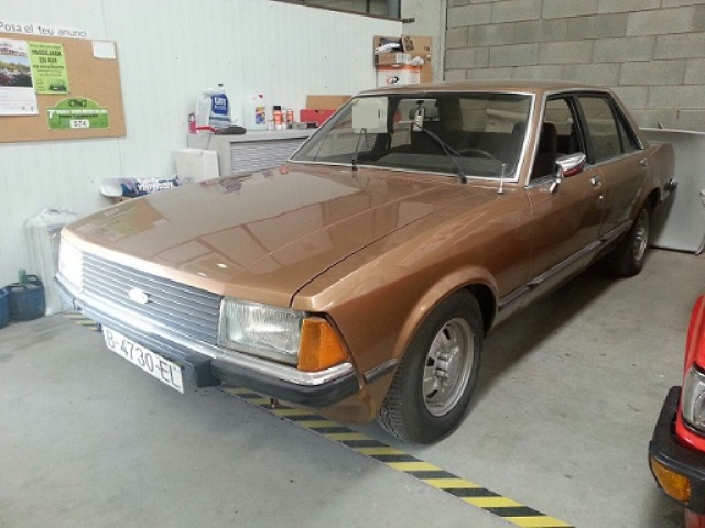P0014 Ford Granada marrón