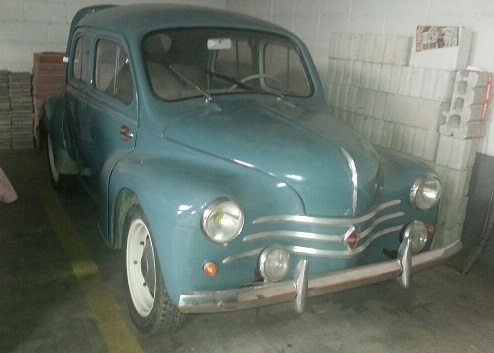 P0035 Renault 4.4 gris azulado front