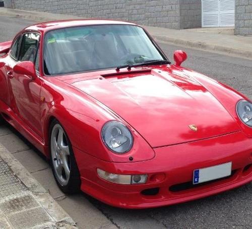P0036 Porsche 993 rojo front alquiler coches clasicos barcelona