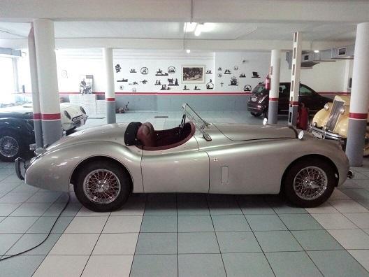 P0057 Jaguar XK plata lat