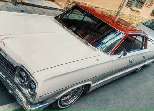 10080 Chevrolet Impala Lowrider front