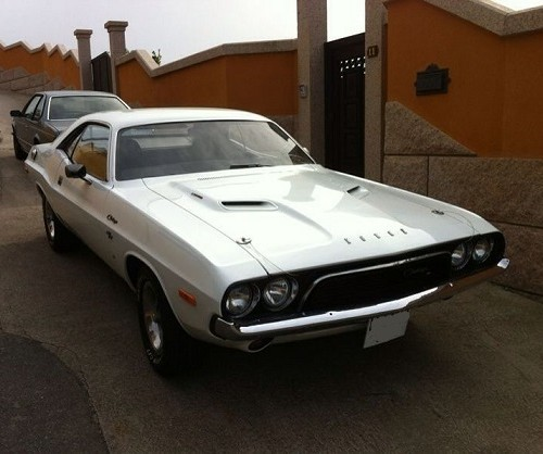 10193 Dodge Challenger 73 blanco alquiler coches americanos barcelona