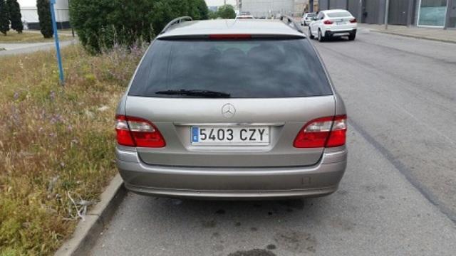 10344 Mercedes clase E 320 color cubanita tras ok