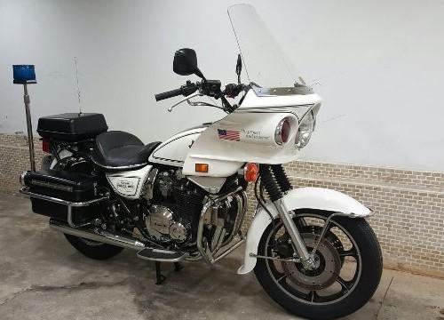 10383 Kawasaki policia americana lat4