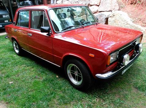 P0112 Seat 124 DLS rojo oxido 1978