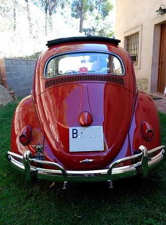 P0112 vw Beetle rojo 1962 tras