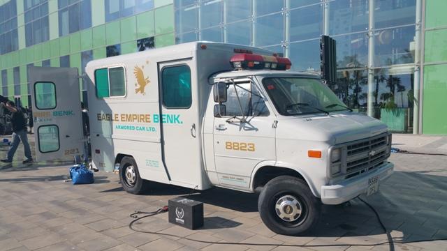 playboy anuncio alquiler coche policia americano ambulancia vehiculos escena barcelona tyreaction 1
