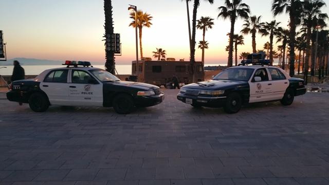 playboy anuncio alquiler coche policia americano vehiculos escena barcelona tyreaction 1