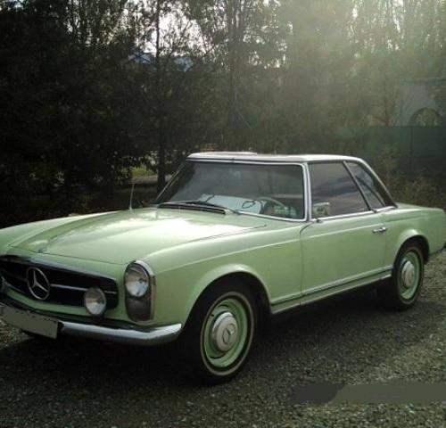 P0118 Mercedes 230 SL Pagoda verde pastel