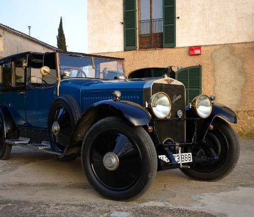00002 alquiler Hispano Suiza 1920 vehiculos escena tyreaction front