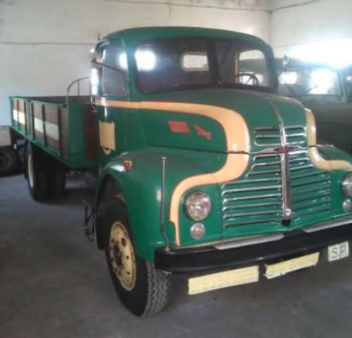 00003 Camion verde caja madera - Navarra (2)