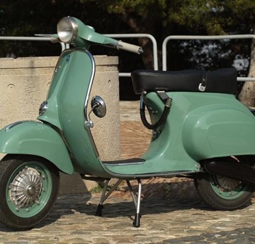 10076 Vespa 125 verde XCL lat (2)