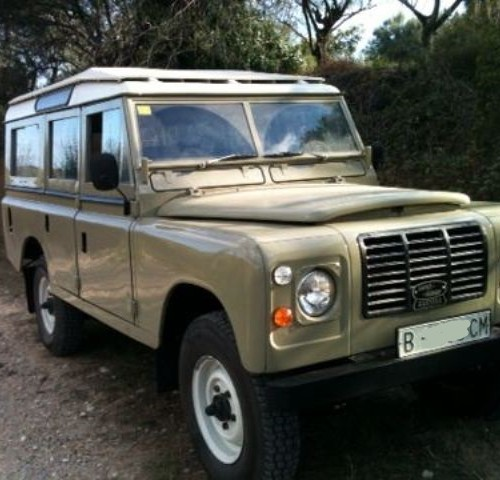10202 Land Rover 109 beige