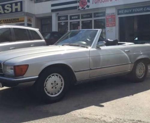 P0018 alquiler Mercedes SL plata front publicidad vehiculos escena peliculas cine