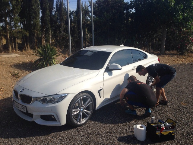 anuncio bmw serie 4 carcare tyreaction barcelona