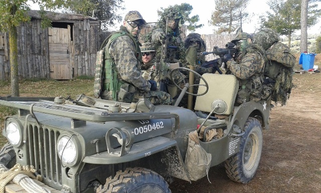 10384.1 Jeep willys militar 1