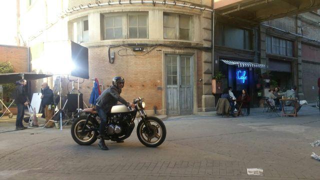 alquiler moto caferacer tyreaction anuncio vibbo making off taxi nyc vehiculos escena 2